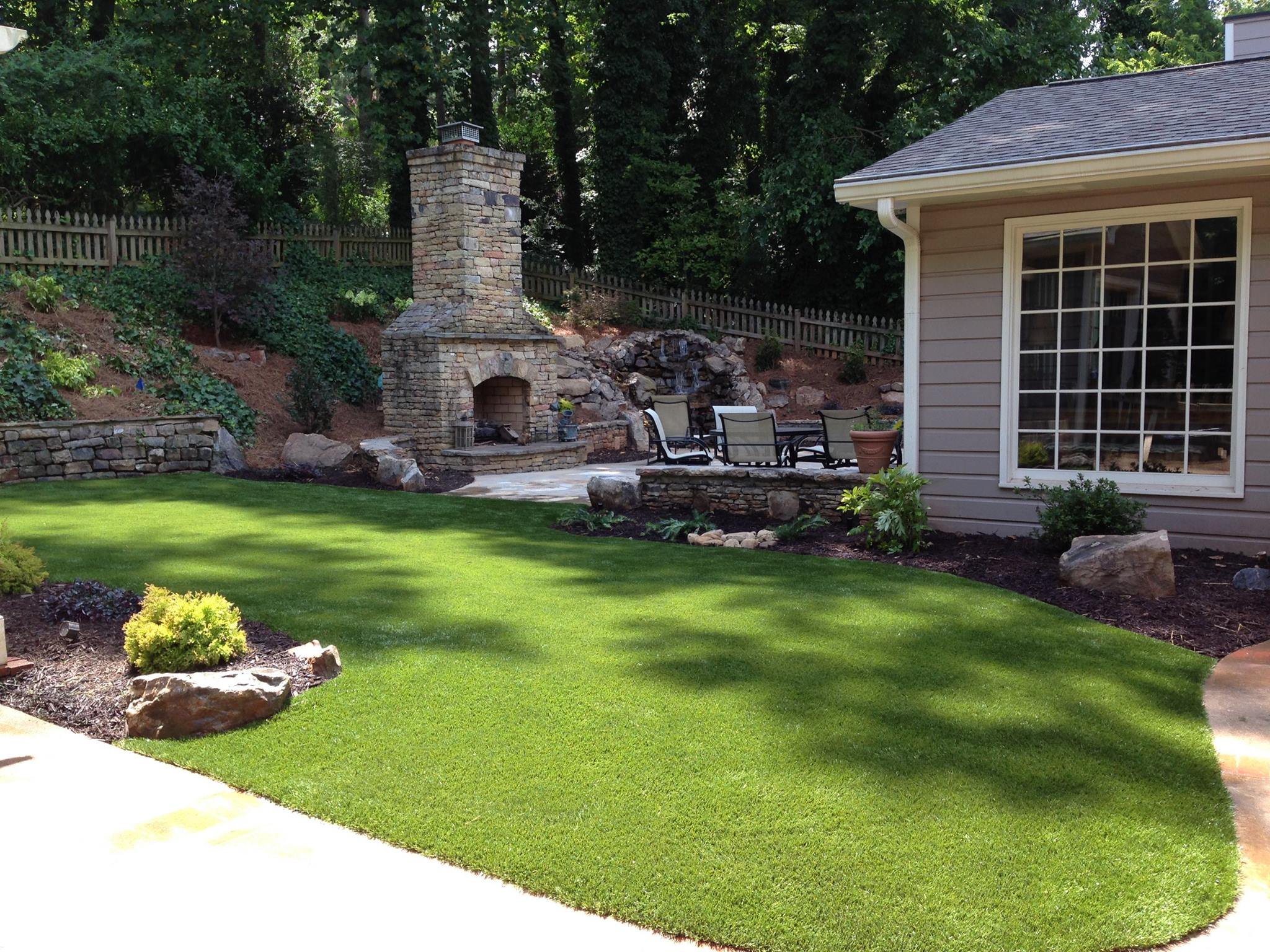 SoftLawn® Lawn & Landscaping | Synthetic Turf International